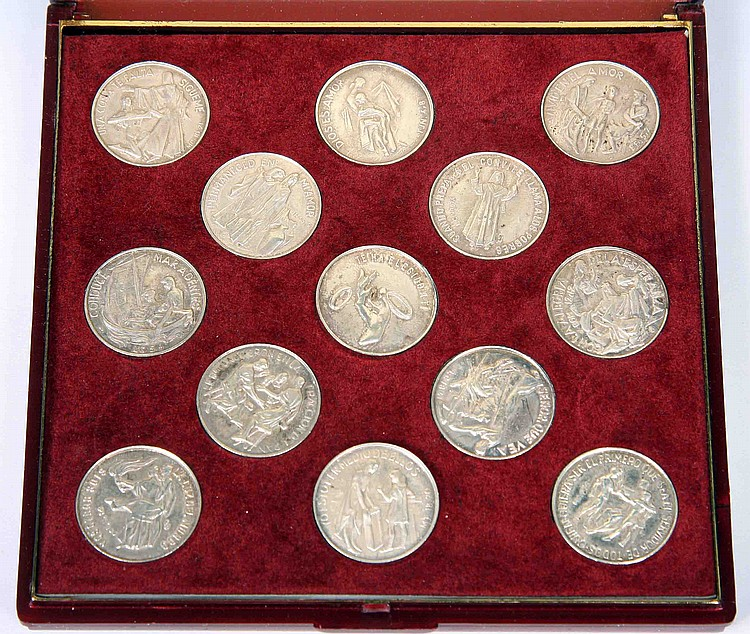 A SET OF STERLING SILVER ARRAS