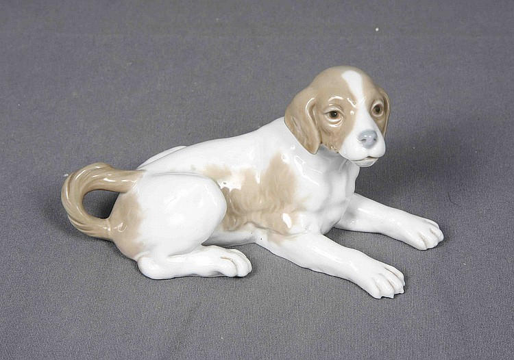 LLADRÓ POLYCHROME PORCELAIN DOG FIGURE