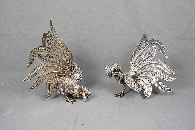 A PAIR OF FIGHTING ROOSTER FIGURES