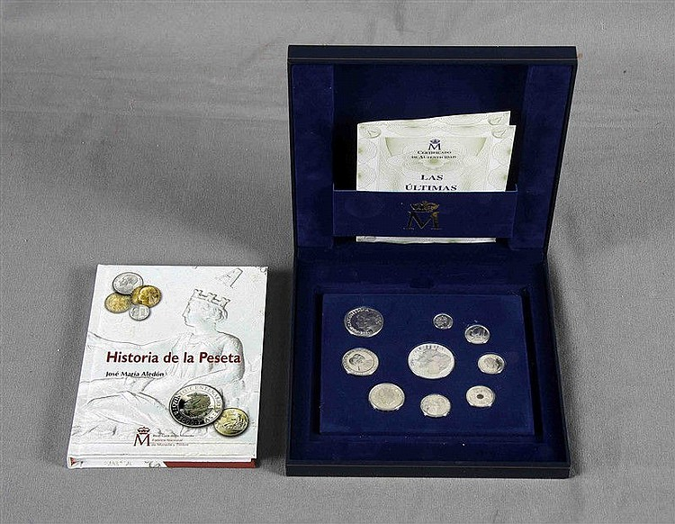 Collection of nine of the last pesetas of legal tender, in silver. Real Casa de la Moneda. Fábrica Nacional de Moneda y Timbre. Years 2000-2001. It is accompanied by a certificate and the book
