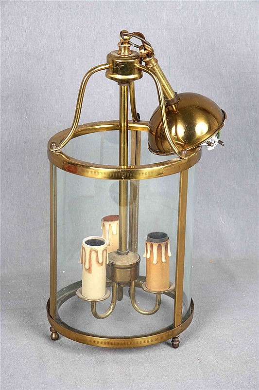 Ceiling lantern lamp, 40s, in gilded bronze and crystal, with three points of light. Height: 50 cm. Diameter: 17 cm.