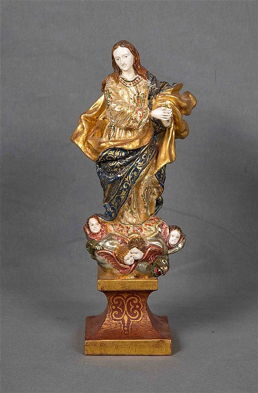 """ANONYMOUS. """"Inmaculada"""". Carving in polychrome wood, gilt, and ivory. Height: 32 cm."""