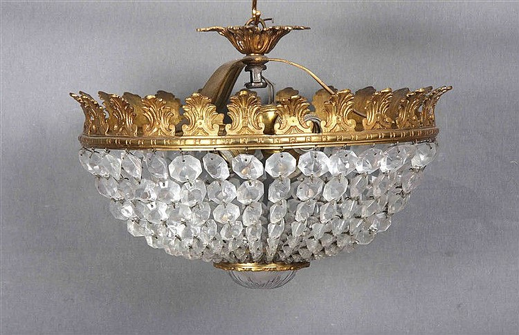 Circular ceiling lamp, in gilded bronze and glass, with three points of light. Diameter: 37 cm.