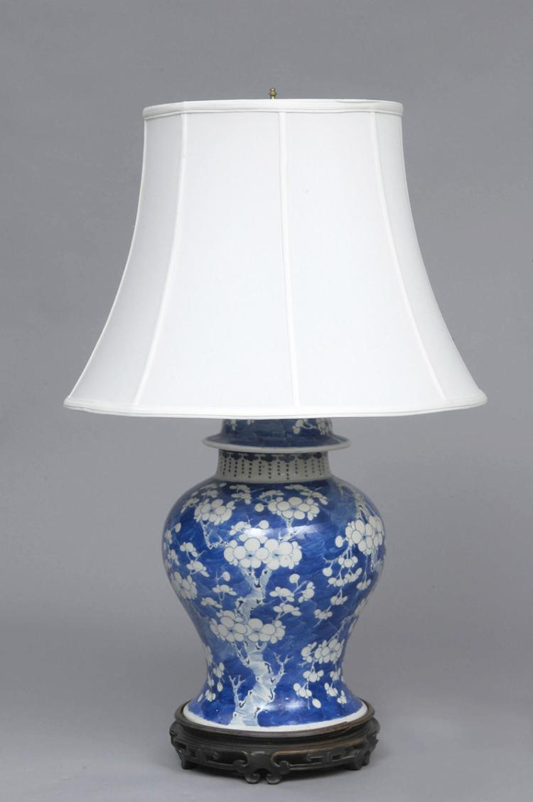 chinese antique blue white lamp. Black Bedroom Furniture Sets. Home Design Ideas
