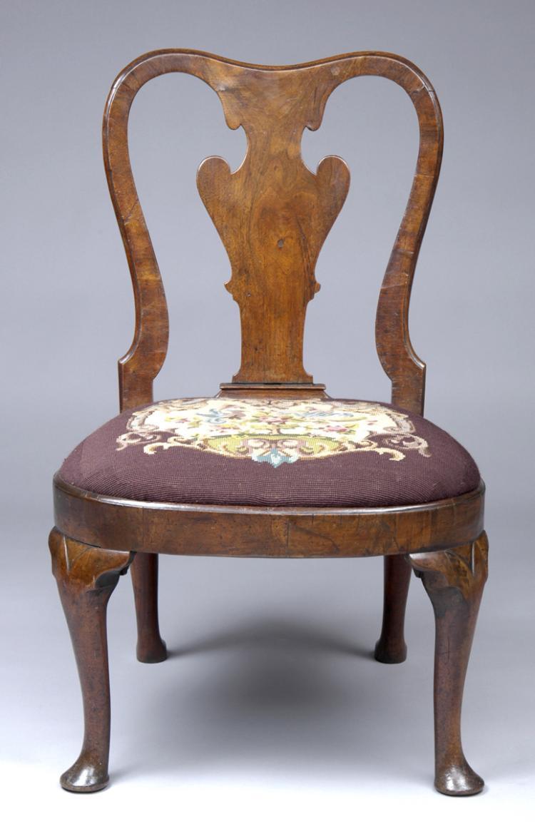 English Antique Period Queen Anne Walnut Side Chair