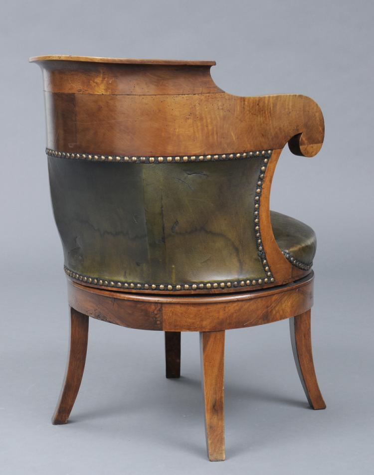 French restauration period swivel fauteuil de bureau for Bureau french