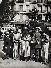 ATGET, EUGÈNE (1857-1927)/ABBOTT, BERENICE (1898-1991) Crowd at Parisian Glaces Vendor.