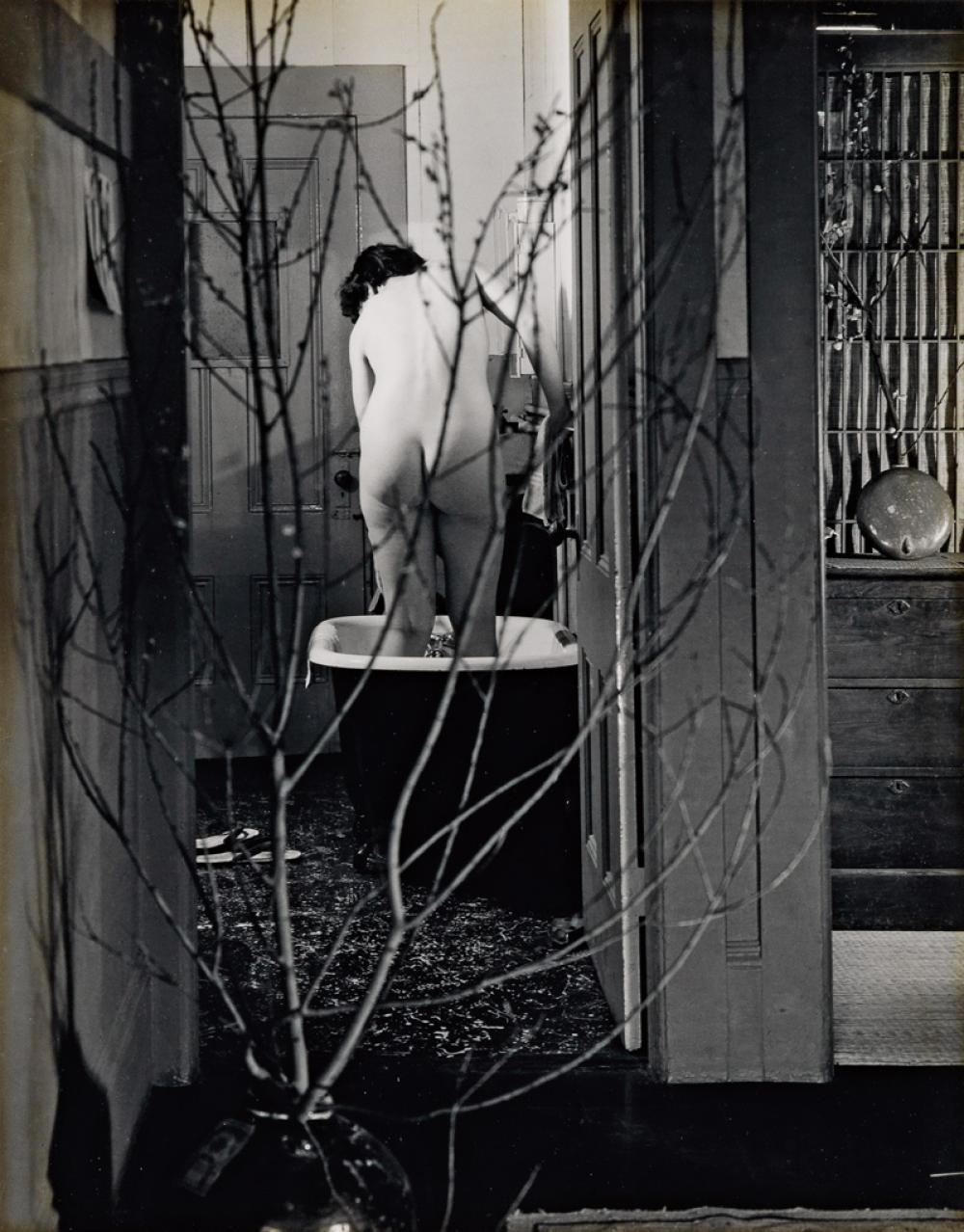 IMOGEN CUNNINGHAM (1883-1976) The Bath.