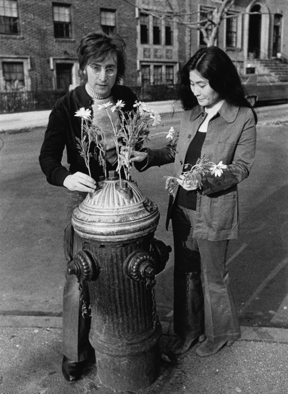 BEN ROSS (1916-2004) John and Yoko Lennon, Brooklyn, New York.