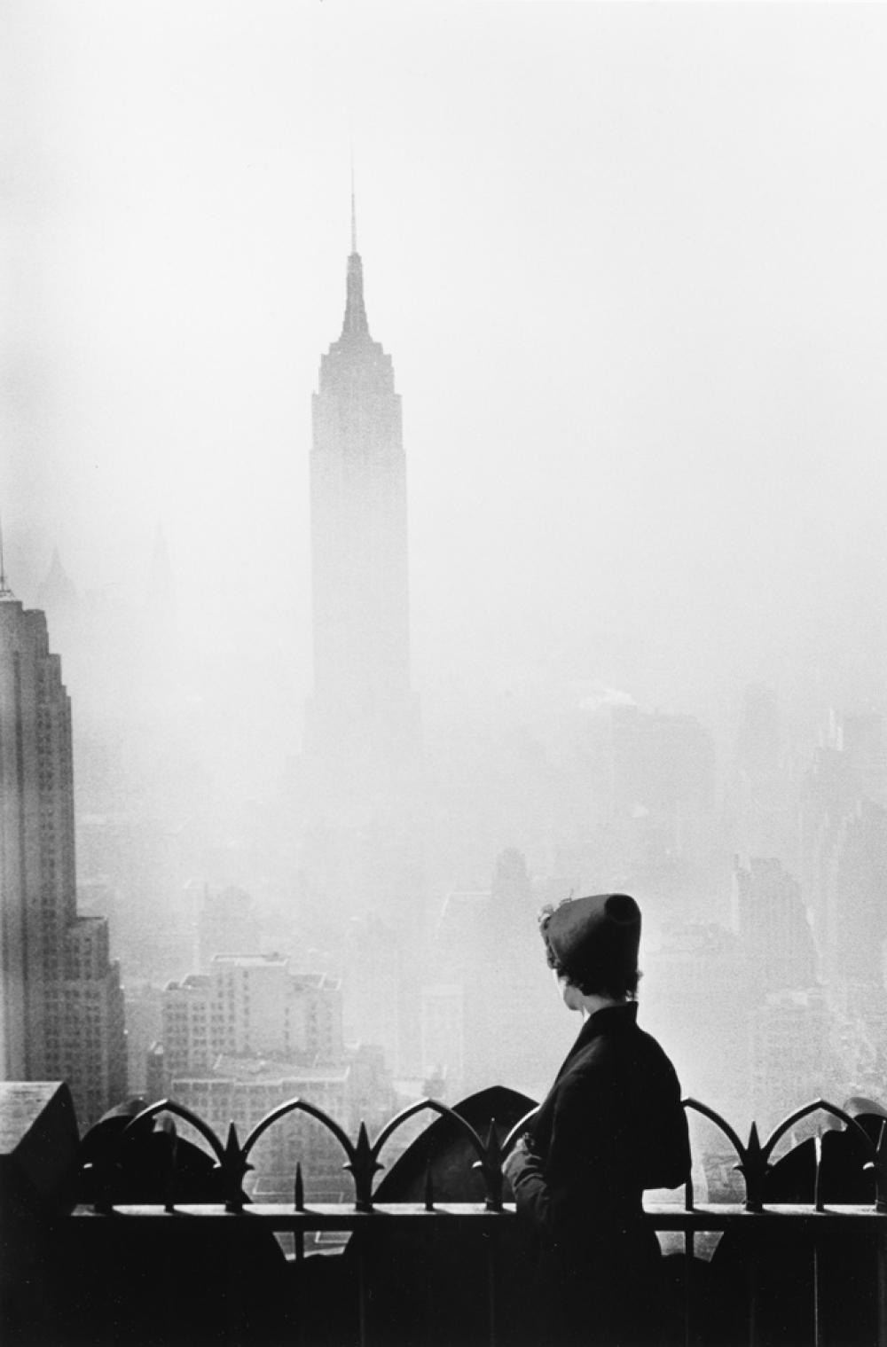 ELLIOTT ERWITT (1928- ) New York City (Empire State Building).