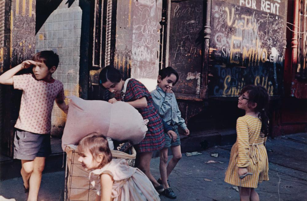HELEN LEVITT (1913-2009) New York (children in the street).