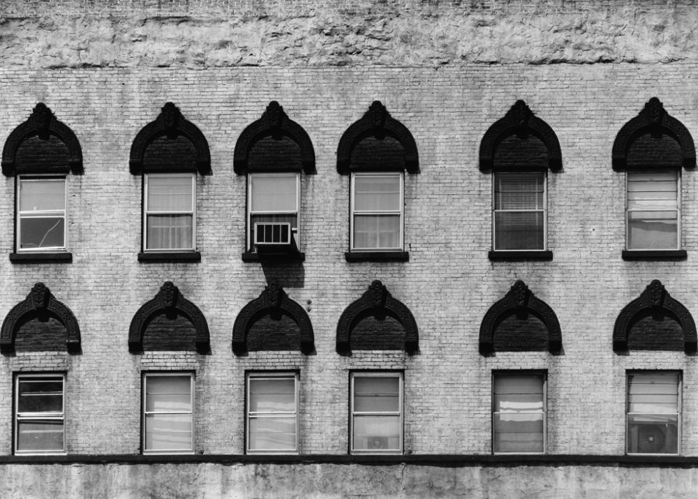 AARON SISKIND (1903-1991) Chicago 10.