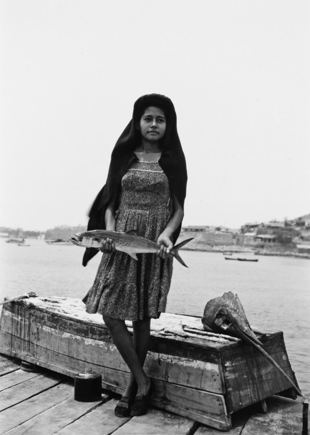 MANUEL ALVAREZ BRAVO (1902-2002) Un Pez que Llaman Sierra [A Fish Called Sword].