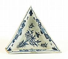 A delft triangular Dish, mid 18th century, painted