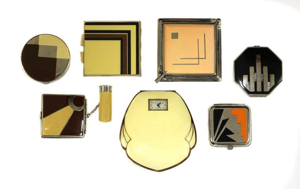 An unusual ladies' clock compact,