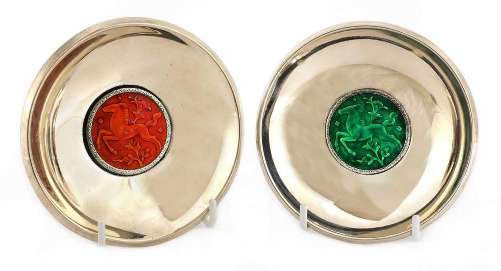 A pair of Art Deco silver dishes,