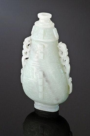 A jade Vase and Cover, 18th/19th century, in the