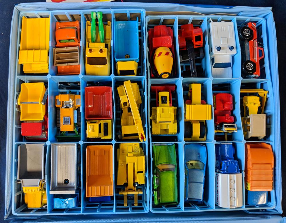 Lot 41: Matchbox Carry Case w/ Tag & Cars