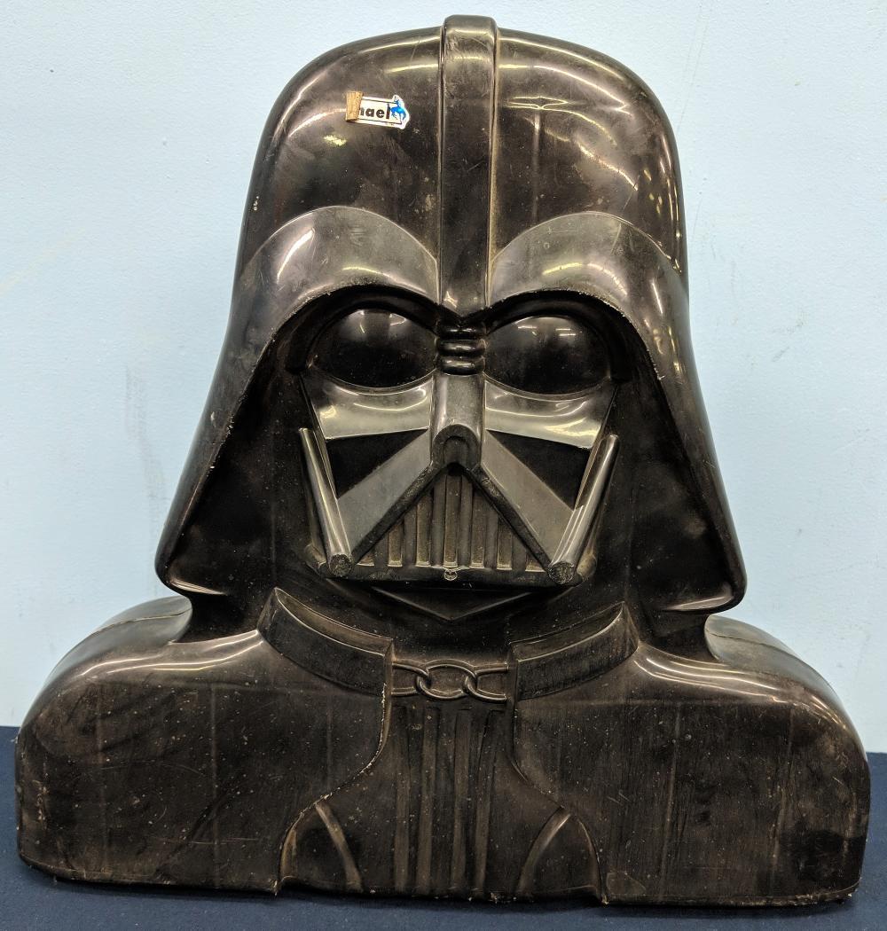 1970s-1980s Star Wars Figures in Case