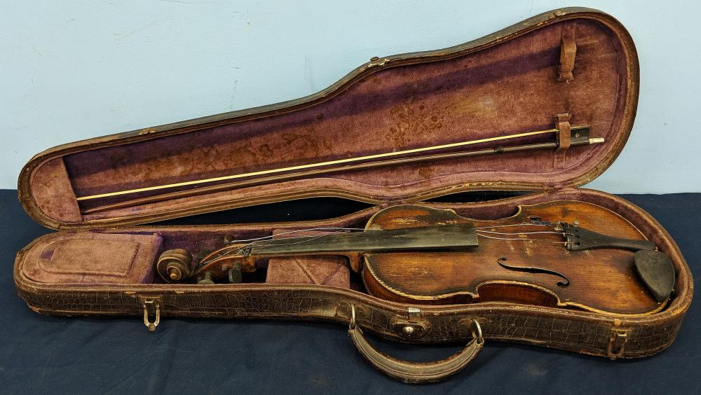 Antique Violin w/ Case & Bow