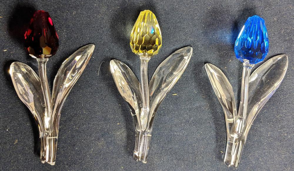 Lot 94: Three Swarovski Tulips & Stand