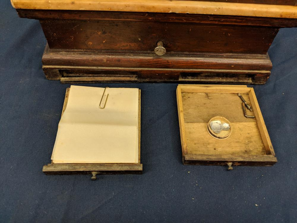 Lot 111: Vintage Scale in Case