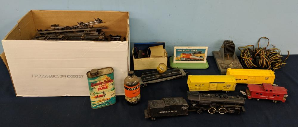 Early American Flyer Trains & Accessories