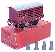 Hornby O-gauge Milk Traffic Van
