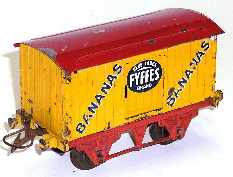 Hornby Series O-gauge Fyffes Banana Van