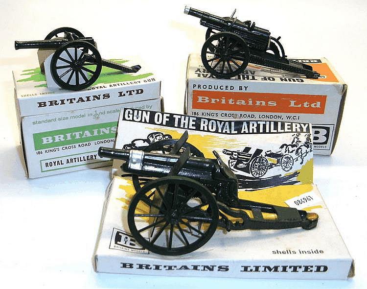 Three Britains 1:32 Scale Guns