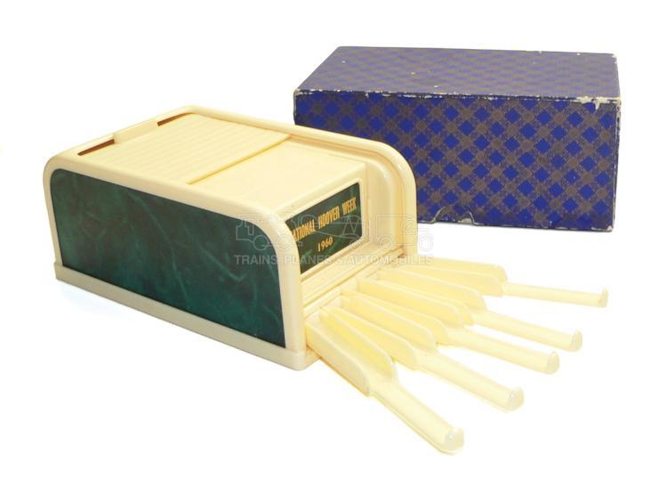 Rolinx plastic Cigarette Dispenser