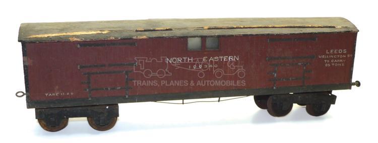 2-gauge wooden NE bogie Closed Goods Wagon