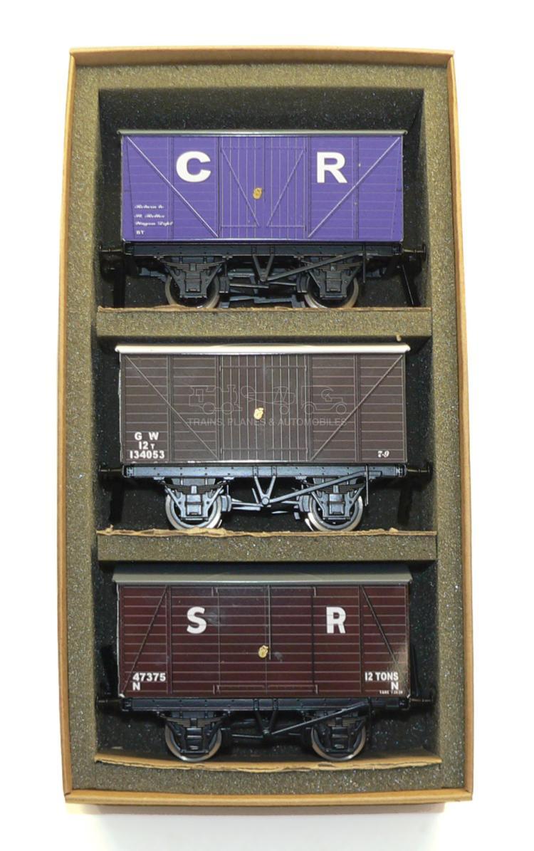 ACE Trains O-gauge Set 3 of three Goods Vans