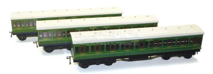 ACE Trains O-gauge Set of three SR bogie Passenger Coaches
