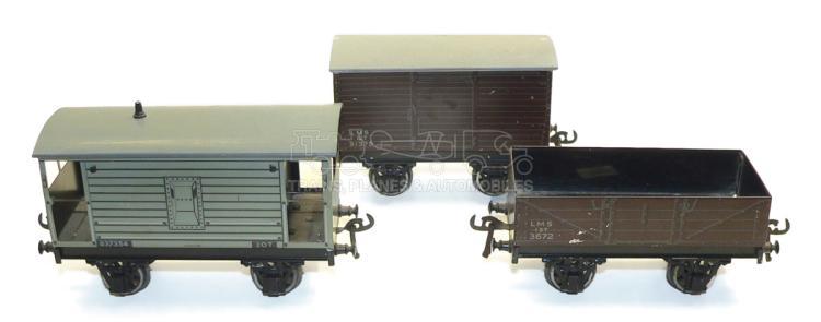 Three Bassett-Lowke O-gauge 4-wheel Wagons