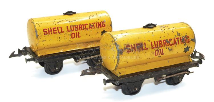 Two Hornby O-gauge 4-wheel Tank Wagons