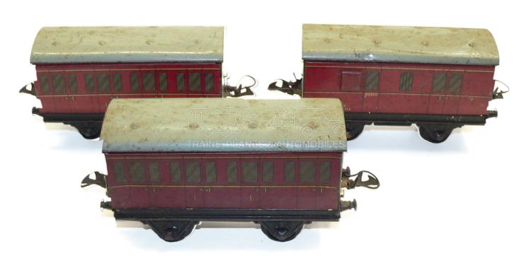 Three Hornby O-gauge 4-wheel Passenger Coaches