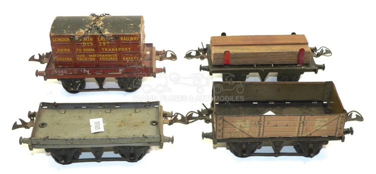 Four Hornby O-gauge 4-wheel Wagons