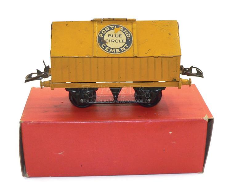Hornby 42115 O-gauge Cement Wagon