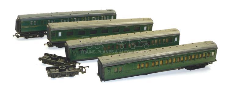 Four HO/OO-gauge bogie Passenger Coaches