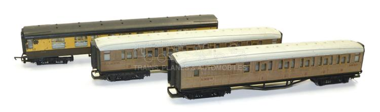 Three Hornby OO-gauge bogie Passenger Coaches