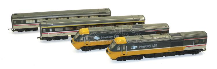Hornby OO-gauge BR Intercity 125 Set
