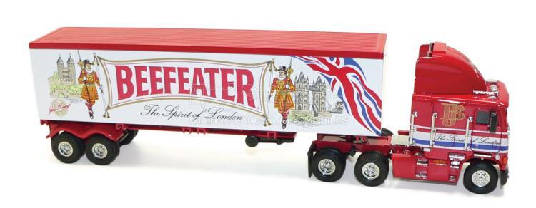 Matchbox KS187/SA-M Freightliner Tractor-Trailer