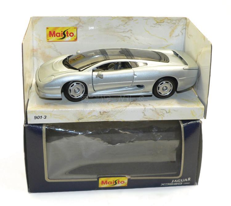 Maisto 901-3 1:24 scale 1992 Jaguar XJ220