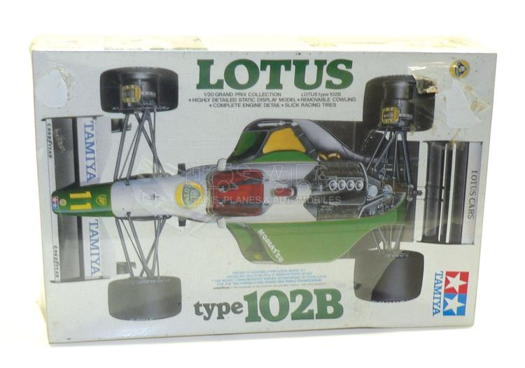 Tamiya 20030 1:20 scale Lotus Type 102B Kit