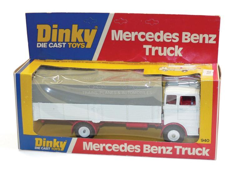 Dinky 940 Mercedes Benz Truck