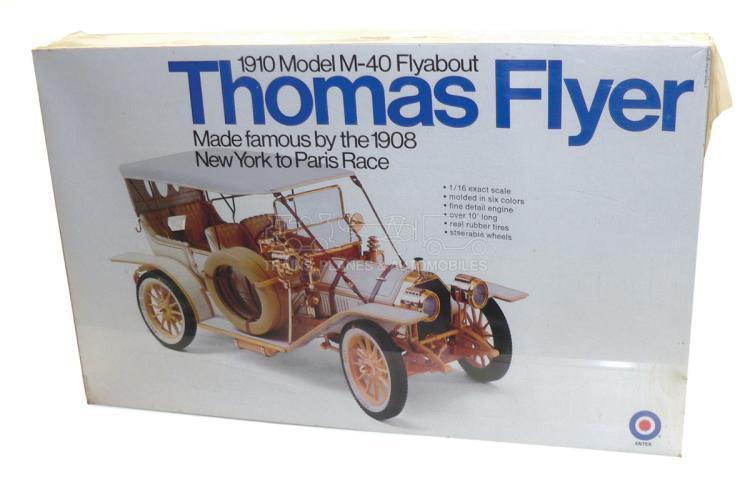 Entex 8490 1:16 scale 1910 Thomas Flyer Kit