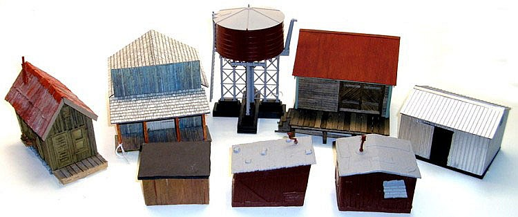 Collection of eight O-gauge Buildings