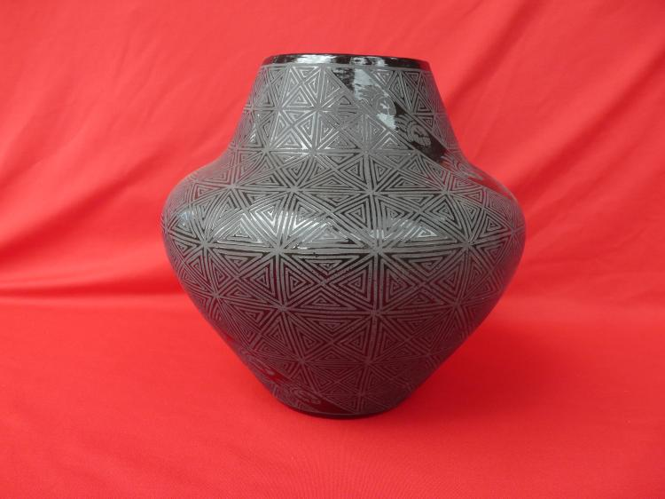 Ceramic Free Hand Design Pot Voted Best In Show