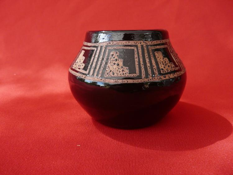 Micaceous Clay Pot